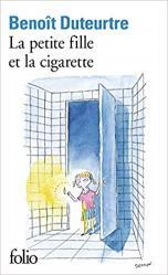 Petite fille cigarette duteurtre
